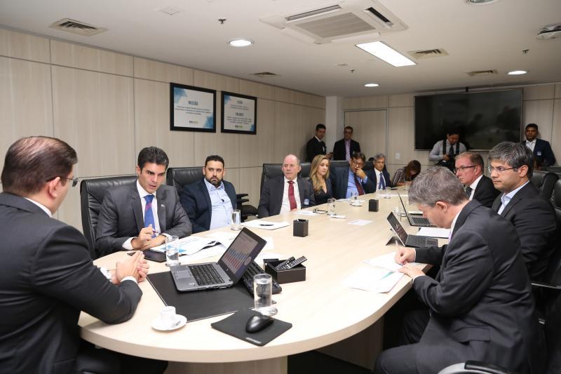 Em Brasília, Helder pede que Aneel fiscalize serviço da Equatorial Energia