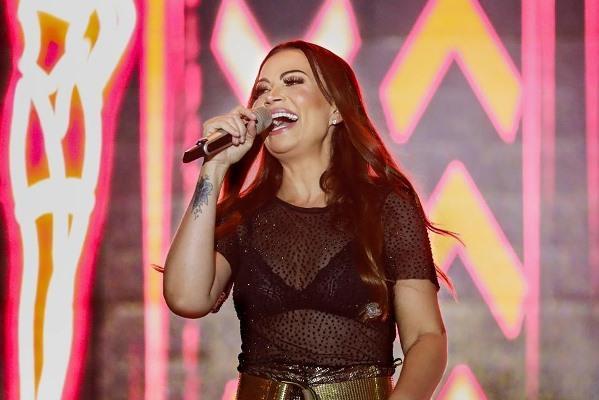Solange Almeida canta em Nhamundá dia 25 de maio
