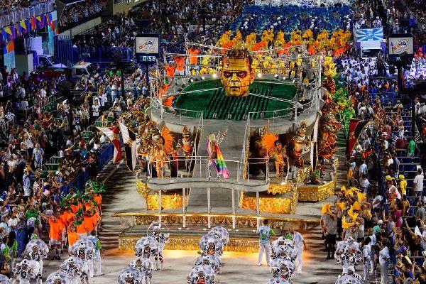 Desfiles das escolas do Grupo Especial do Rio começam neste domingo (3)