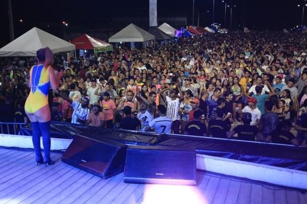 Carnaval de Santarém reúne 20 mil pessoas na Praça de Eventos