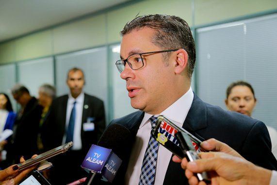 Josué Neto encaminha R$ 350 mil para a educação de Alvarães