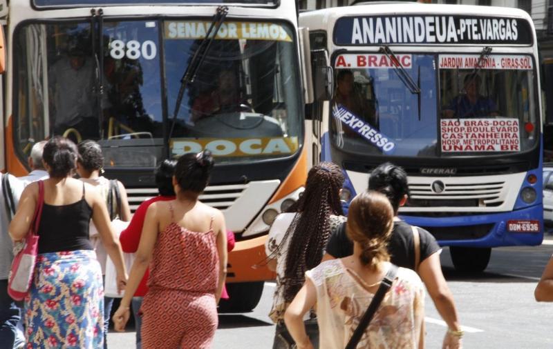 Greve deixa oito linhas de ônibus fora de circulação, em Belém