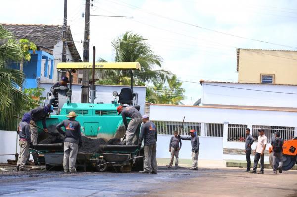 Bi Garcia anuncia retomada do recapeamento asfáltico, em Parintins