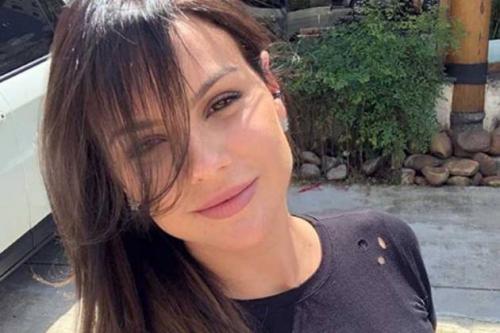 Ex-panicat Carol Dias relata assédio moral e processa Band
