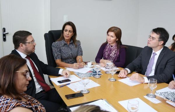 Prefeitura de Manaus e Governo do AM formam grupo de trabalho em prol das vítimas do Educandos