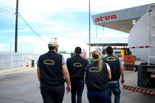 Procon Manaus autua distribuidoras de combustíveis por preços abusivos