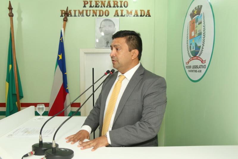 Após pressão, presidente da Câmara recua e anula aumento de salário dos vereadores de Parintins