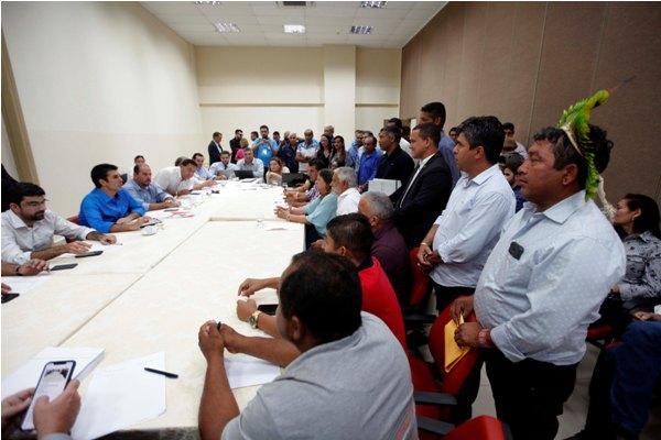 Prefeitos de 39 municípios levam demandas para Helder Barbalho, em Marabá