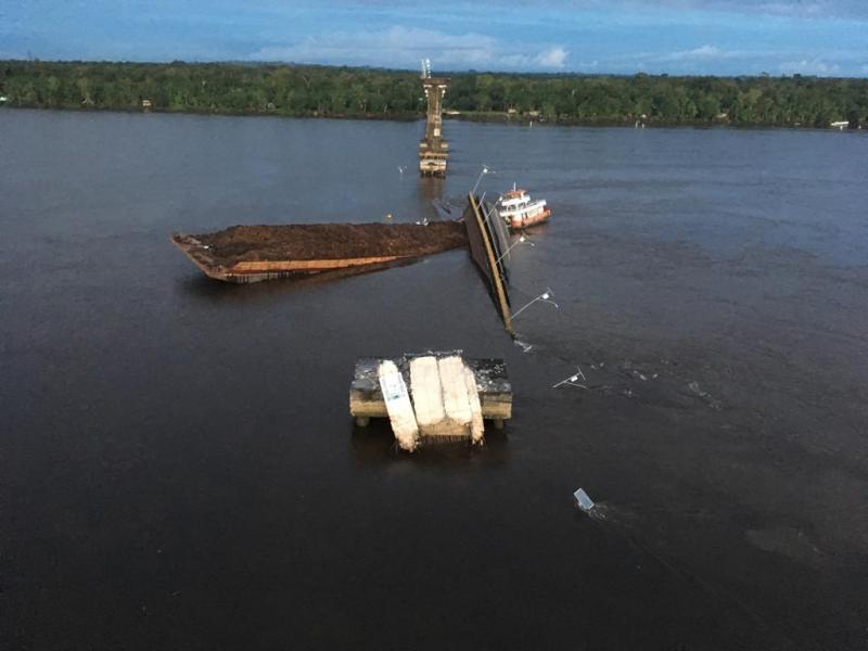Parte de ponte da Alça Viária desaba no Rio Moju, no Pará; vídeo