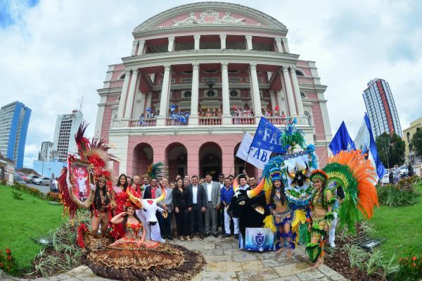 Bumbás Caprichoso e Garantido recebem apoio do Governo do Amazonas e Coca-Cola