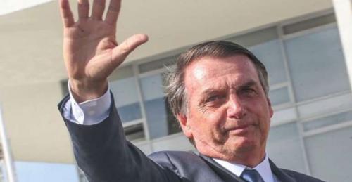 Bolsonaro repercute entrevista de Guedes sobre 'desmantelar' ZFM