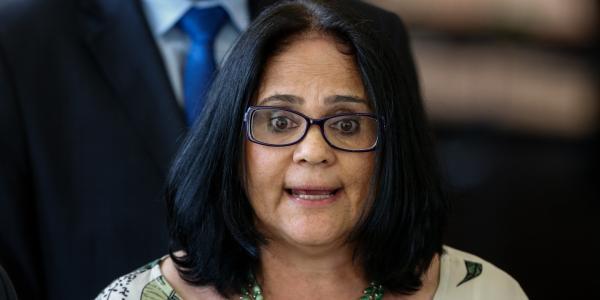 Damares Alves pede a Bolsonaro para deixar o governo
