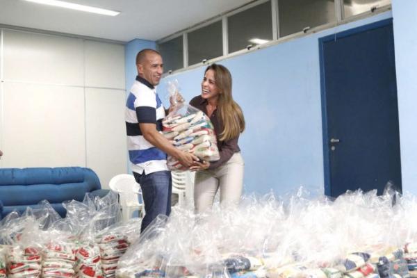 Alimentos doados na compra de ingressos do Brasileirão 2019 são entregues à prefeitura
