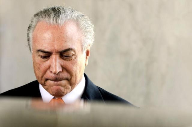 Ex-presidente Temer se entrega à PF e ficará preso em São Paulo