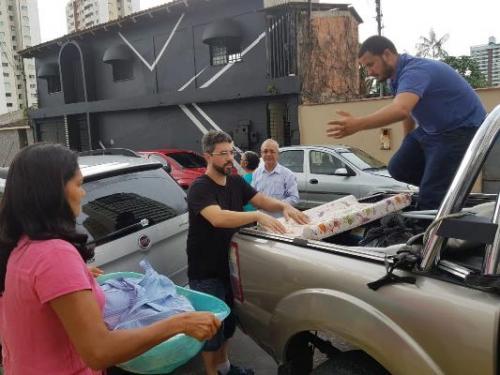 Mães venezuelanas participam de ação social em Manaus