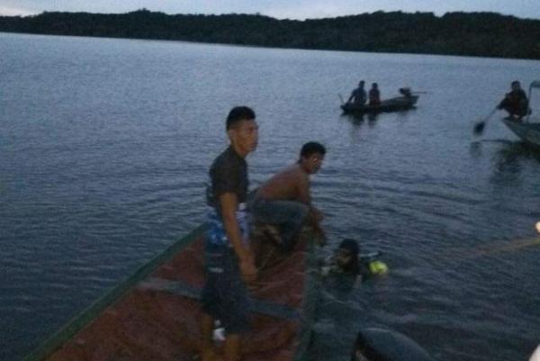 Dois corpos são encontrados após naufrágio no Rio Urubu, em Silves