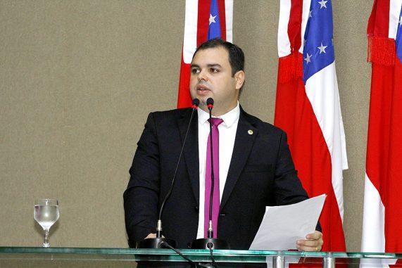 Deputado denuncia descaso do prefeito com vítimas da cheia em Borba (AM)