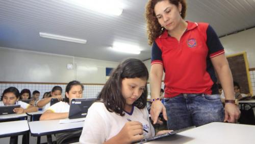 Semed convoca professores aprovados em concurso e divulga lista de aprovados em PSS