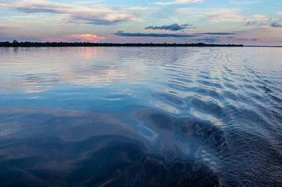 MPF entra na Justiça contra empresa responsável por derramamento de óleo no rio Negro