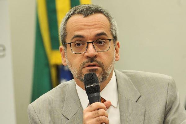 Weintraub é alvo de inquérito do MPF por nota sobre protesto