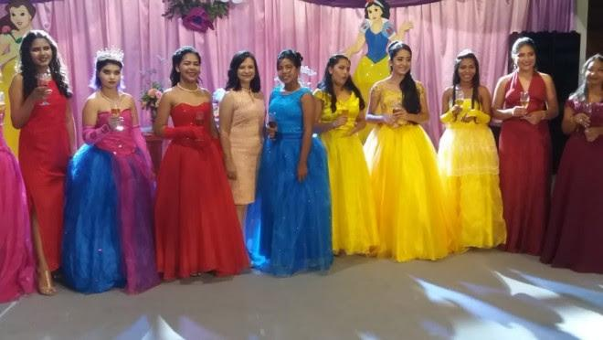 Jovens de Alter do Chão ganham baile de debutantes na 32ª edição do Baile das Flores