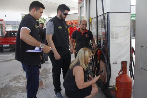 Em Manaus, cinco postos são multados por não reduzir o valor da gasolina