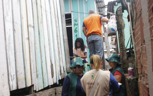 Em Manaus, famílias afetadas pela cheia começam a receber o auxílio-aluguel