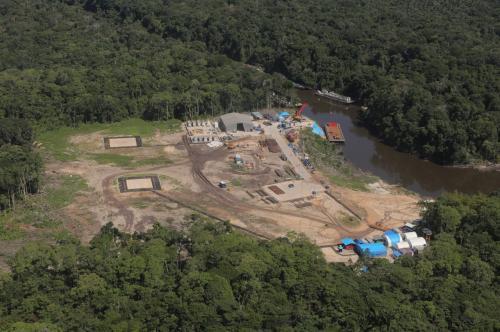 Wilson Lima visita área de exploração de gás natural em Tefé (AM)