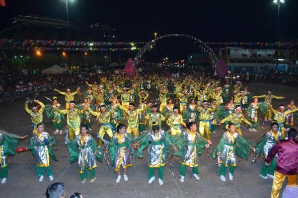 Quadrilhas e Bois Mirins abrem hoje (21) o Festival de Parintins