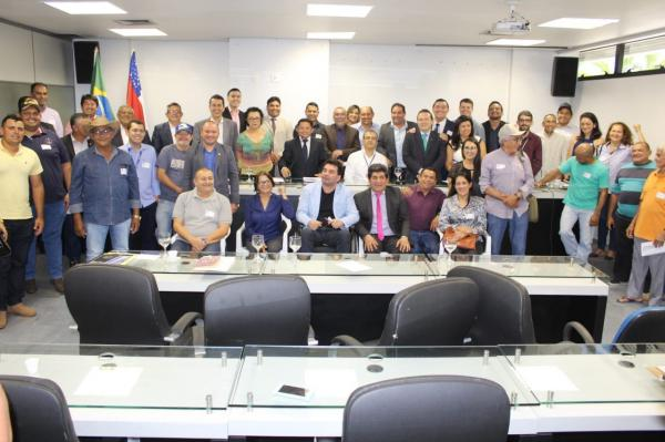 Setor primário no Amazonas é ameaçado por falta de insumos, diz Sinésio Campos