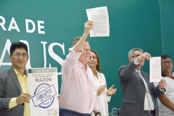Prefeito anuncia construção de mais 660 casas populares em Manaus