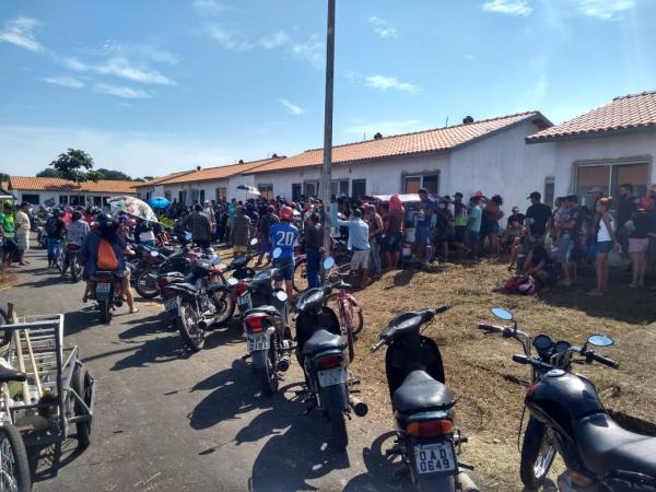 690 famílias ocupam Residencial em Parintins e cobram Caixa Econômica