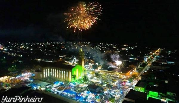Milhares de fiéis na procissão de encerramento da padroeira de Parintins