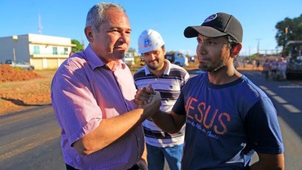 Prefeito Nélio Aguiar inspeciona início da pavimentação da Avenida Anysio Chaves