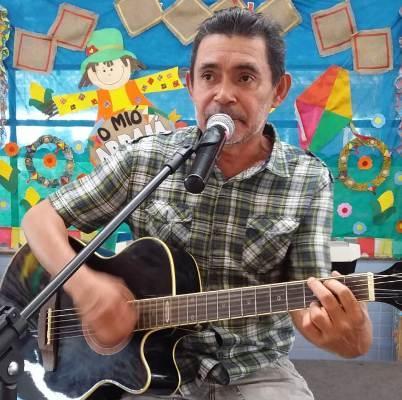 Serginho Queiroz celebra 27 anos de carreira com show no Teatro Amazonas