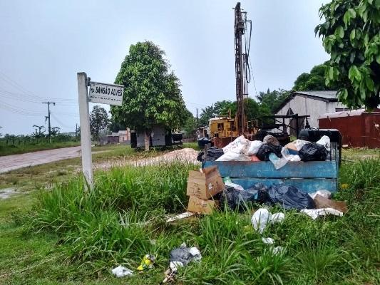 Sem coleta, lixo toma conta até das áreas de cachoeiras em Figueiredo