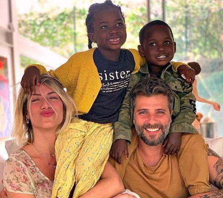 Bruno Gagliasso e Giovanna Ewbank publicam primeiras fotos com filho Bless