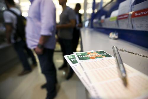 Mega-Sena pode pagar prêmio de R$ 32 milhões nesta terça-feira (6)