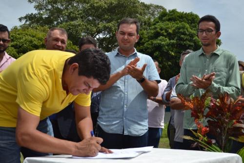Bi Garcia assina ordem de serviço para construção de ginásio no Palmares