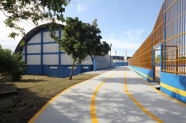 Prefeito anuncia reforma de 42 espaços esportivos em Manaus