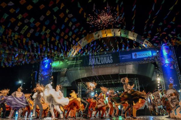 Grupos da Categoria Bronze abrem o Festival Folclórico do Amazonas