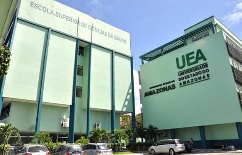 Estudante entra armado na UEA e ameaça professor