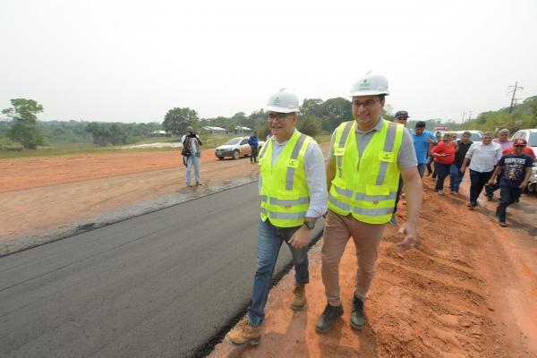 Wilson visita AM-070 e anuncia obra de mais 20 quilômetros