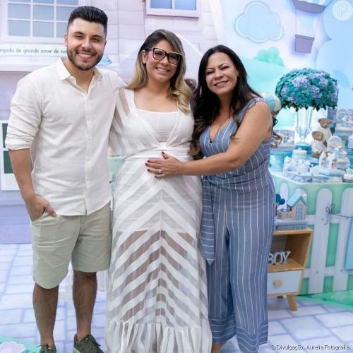 Mãe de Marilia Mendonça tatua nome do neto no braço: 'Homenagem da vovó'