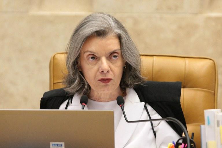 Cármen Lúcia arquiva pedido de investigação sobre Moro feito por PT