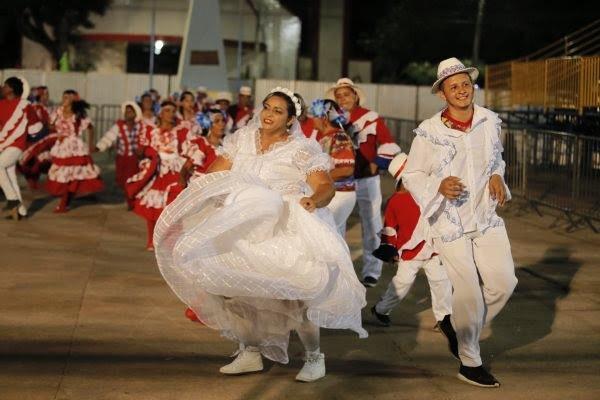 Quadrilha 'Trevo do Amor' é campeã da 1ª noite do Festival Folclórico de Santarém
