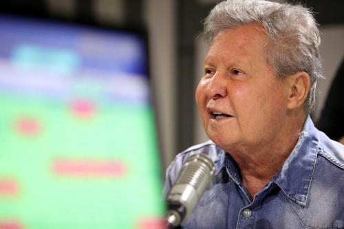 'É preciso correção diplomática e diálogo pacífico sobre a Amazônia', diz Arthur Neto