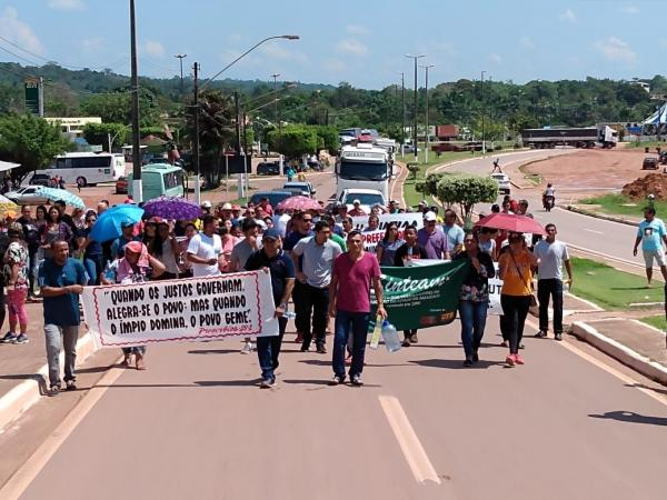 Funcionários de Figueiredo protestam contra mudança no regime de trabalho
