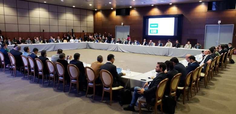 Ministros chegam a Belém e reúnem com governadores sobre futuro da Amazônia