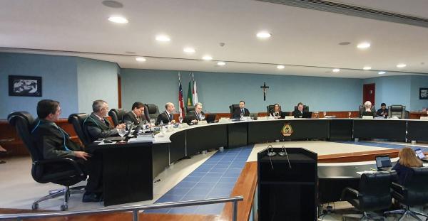 TCE-AM multa em R$ 1,9 milhão ex-secretárias da Seas